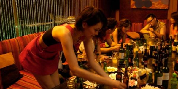看尽欢场人生的「夜场女孩」最真挚告白,告诉你为什幺「男人不可靠」!